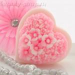 Нежное мыло в форме сердечка